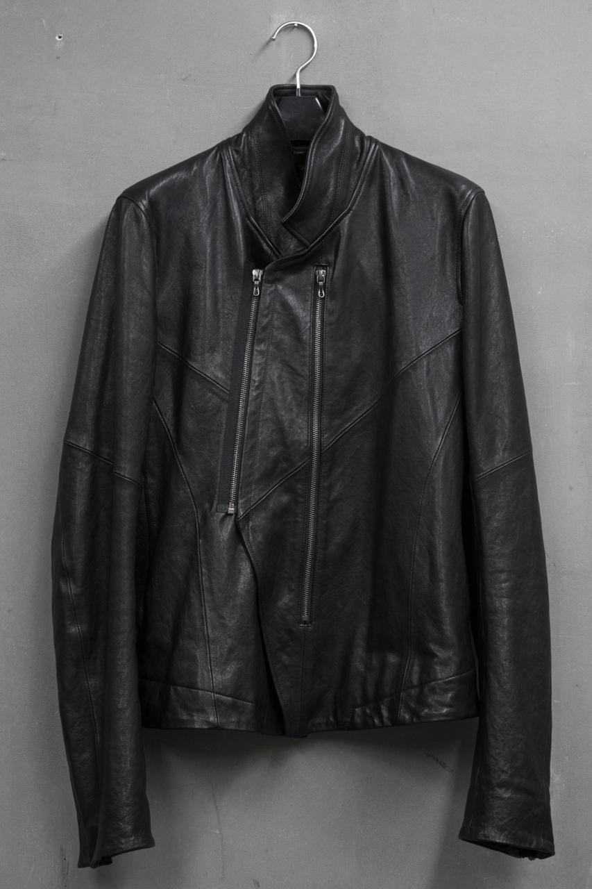 JULIUS BLOUSON FOR MALE ジオメトリックWライダースジャケット Material:LAMB SKIN  品番:527BLM3 ¥175,000(税抜)