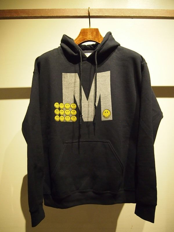 Mエム 17SS-MSW008 pull over hood parka(Happy M) navy ¥12,000(税抜)