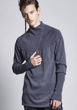 TWIST HI NECK KNIT