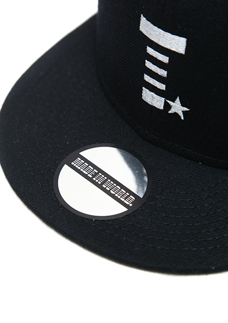 MADE IN WORLD SNAP BACK CAP(T☆)