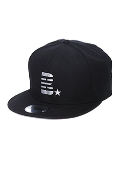 MADE IN WORLD SNAP BACK CAP(B☆)