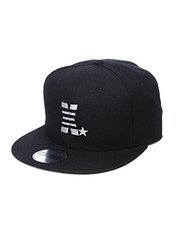 MADE IN WORLD SNAP BACK CAP(X☆)