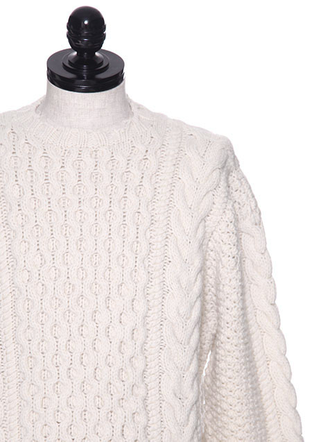 DAMAGED CABLE KNIT SWEATER