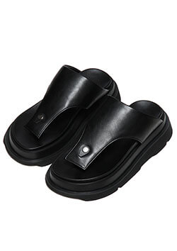 COATED CLOTH OVERLAYING THONG SANDALS