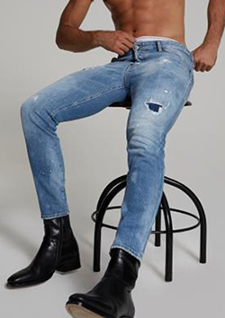 LIGHT BLUE HOLES SKATER JEANS